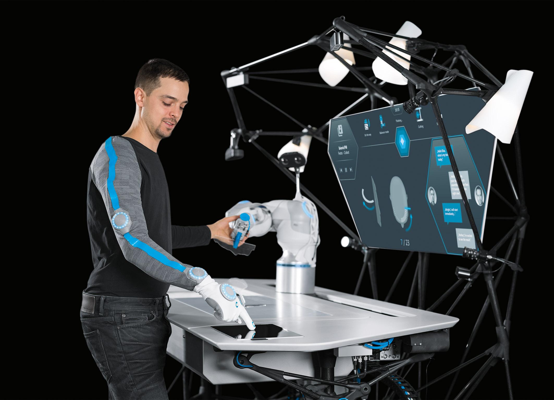 Künstliche Intelligenz und Machine Learning machen den BionicWorkplace zu einem lernenden und antizipativen System.