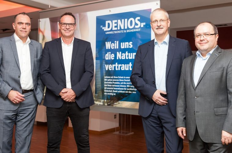 Von links: Horst Rose, Vorstand Denios, Thomas Krekeler, CEO Robiotik, Andreas Roither, Director Innovation Denios, Udo Roth, Denios-Projektmanager