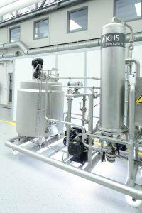 Mit dem Innopro Ecostab S steht die regenerative Bierstabilisierung von KHS ab sofort auch kleineren Brauereien mit einem jährlichen Ausstoß von bis zu 70.000 Hektoliter zur Verfügung. (Bild: KHS)